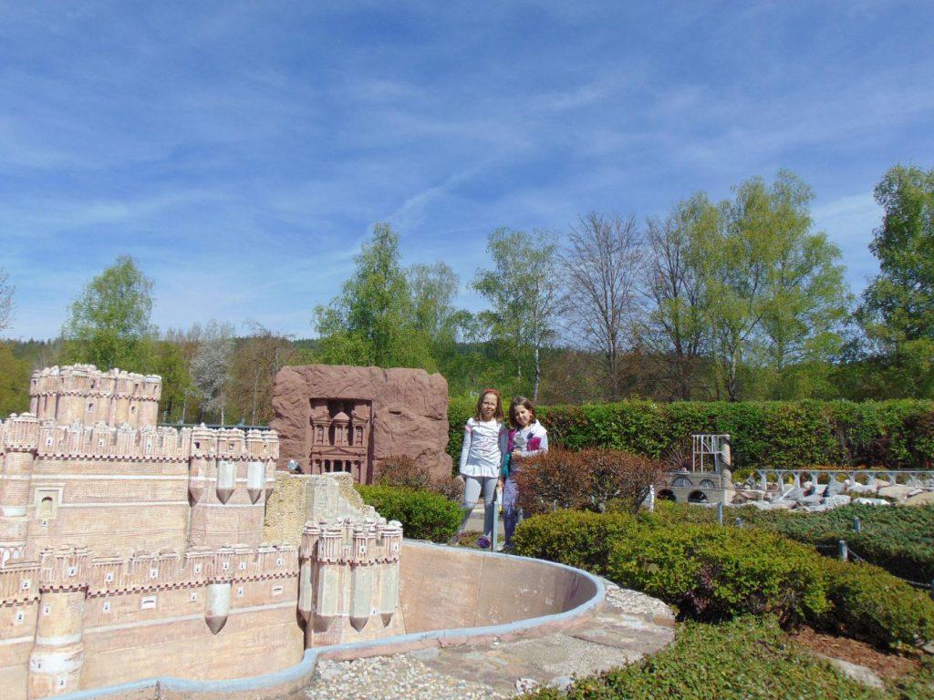 Maketa Riznice u Petri i Ljetna rezidencija Wadi Dhar