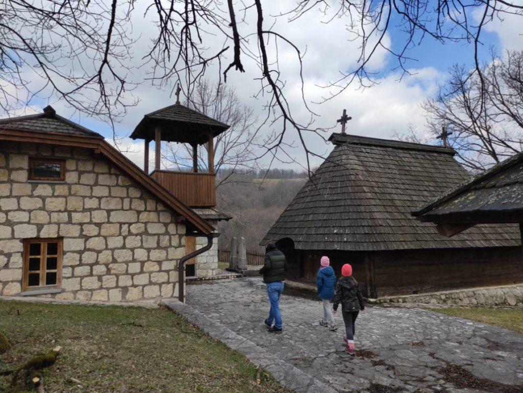 Crkva brvnara u Tovilovićima