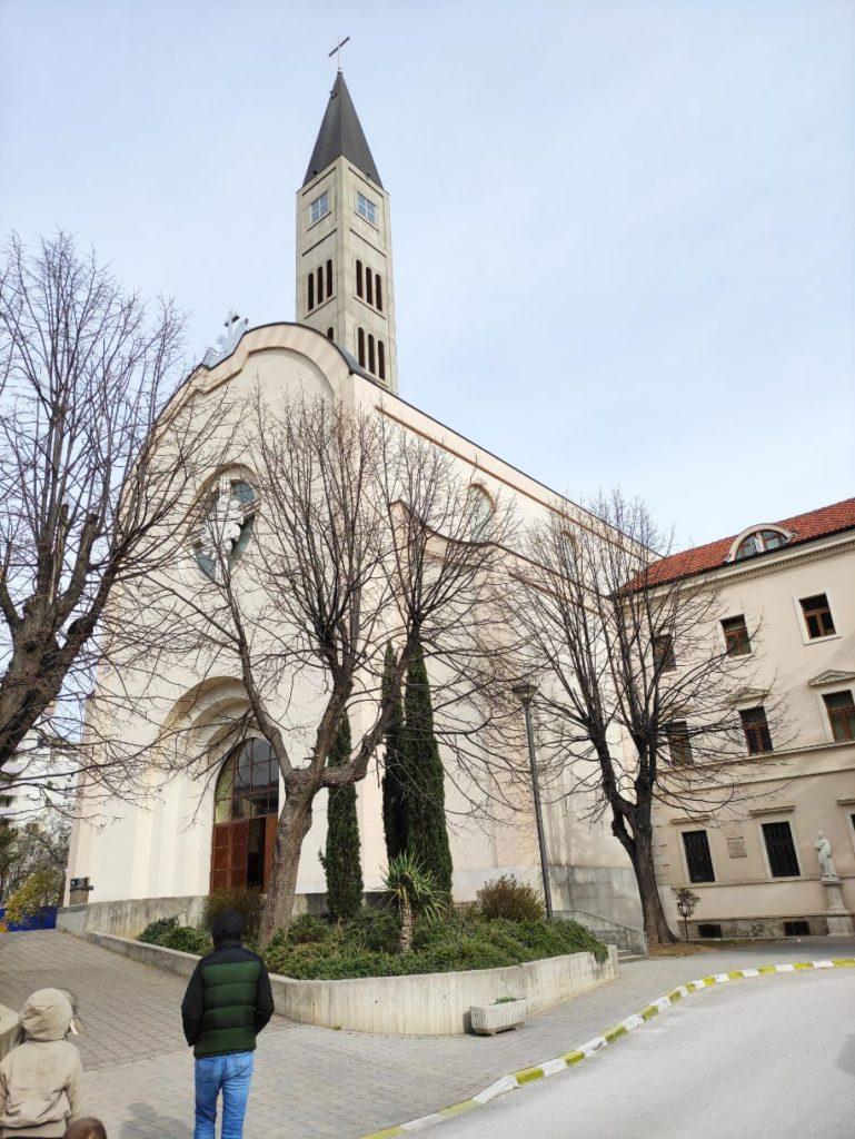 Katolcika crkva i Franjevacki samostan