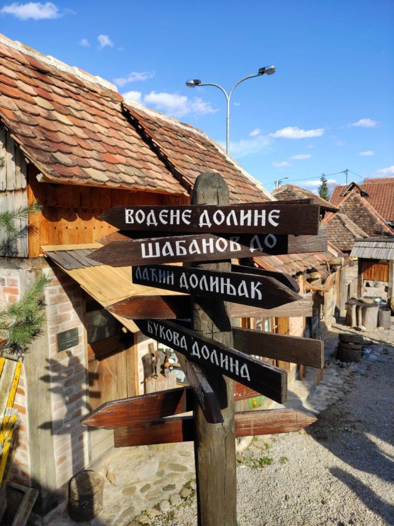 Znakovi Ljubacke doline