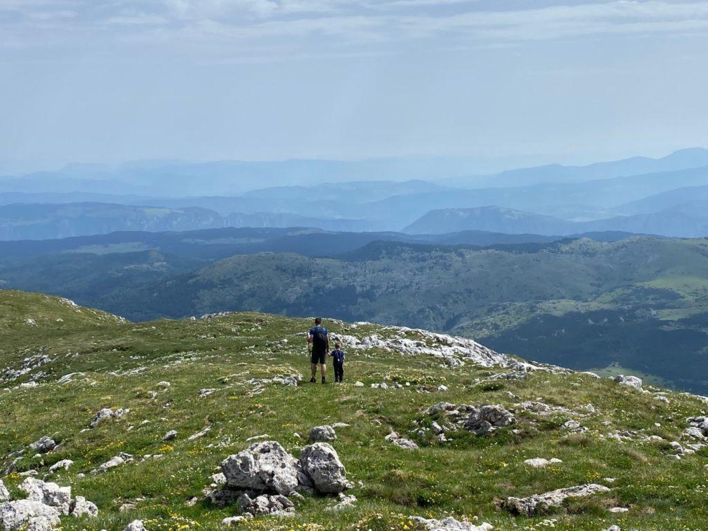 planinarska staza od Trnovackog jezera do vrha Maglica